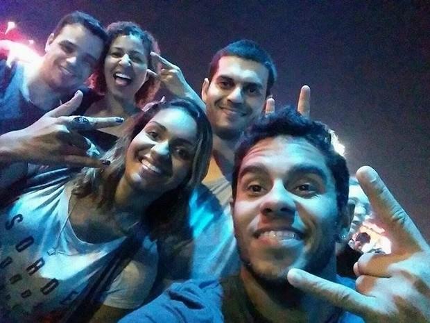 Bia Merces, da Ilha do Governador, comemorou 30 anos no Rock in Rio ao lado de amigos e do namorado (Foto: Bia Merces / Arquivo Pessoal)