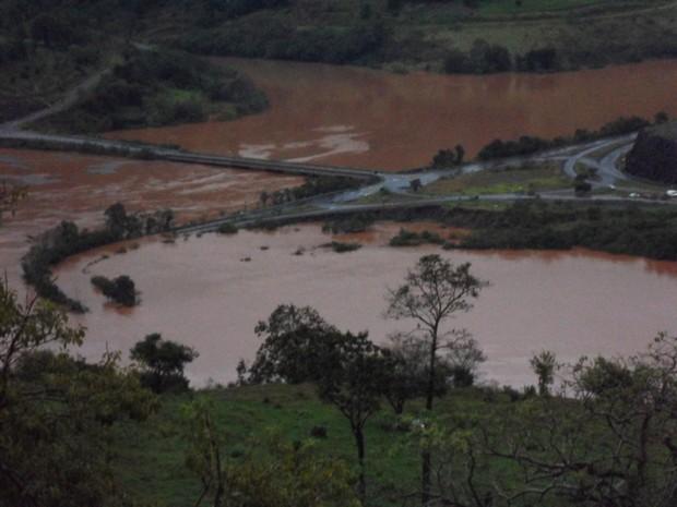 Ponte foi interditada em Nonoai, RS (Foto: Ronaldo Reolon/Comando Rodoviário da Brigada Militar)