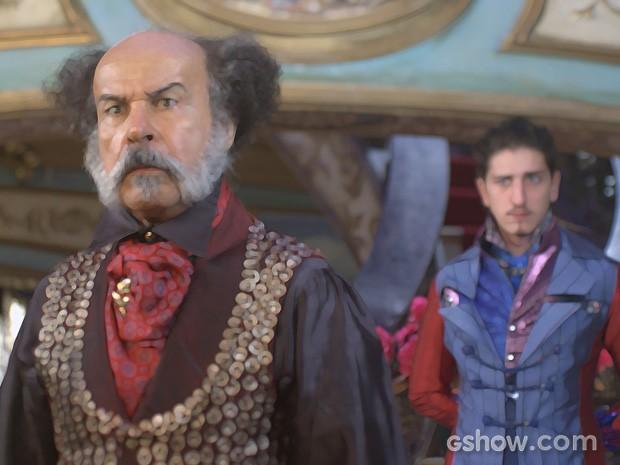 Coronel Epa fica abismado com a ousadia do filho (Foto: Divulgação/TV Globo)