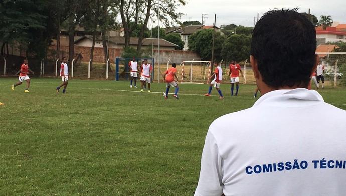 Luciano Baiano, técnico do Osvaldo Cruz (Foto: Murilo Rincon / GloboEsporte.com)