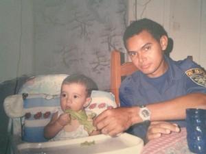 Joel Mota Guerra ao lado da filha Eduarda, 13 anos antes do acidente (Foto: Joel Mota/Arquivo Pessoal)