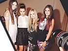 União de de estilos! Avril Lavigne posta foto com irmãs Kardashian