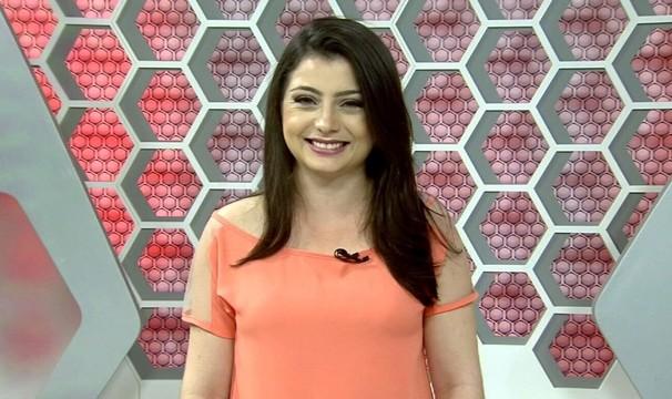Wânyffer Monteiro comanda o Globo Esporte CE na programação das mulheres na TV Verdes Mares (Foto: Divulgação)