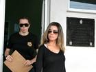 Presa, socialite suspeita de mandar matar rival se nega a falar sobre crime