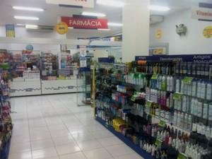 Pesquisa mostra que no Centro de Curitiba existem três farmácias para cada 1.000 habitantes (Foto: Bibiana Dionísio/ G1 PR)