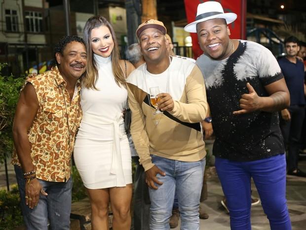 Compadre Washington, Vina Calmon, Márcio Victor e Filipe Escandurras em festa em Salvador, na Bahia (Foto: Sercio Freitas/ Divulgação)