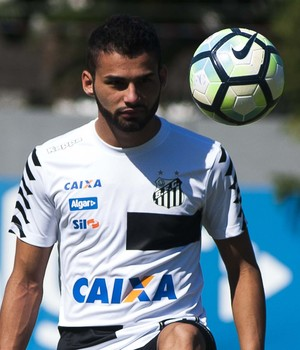 Thiago Maia treina para ajudar o Peixe na Libertadores (Foto: Ivan Storti/ Santos FC)