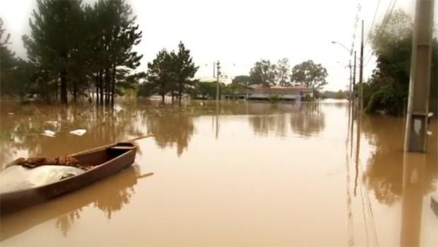 Enchentes em União da Vitória desabrigaram mais de 12 mil pessoas (Foto: Reprodução)