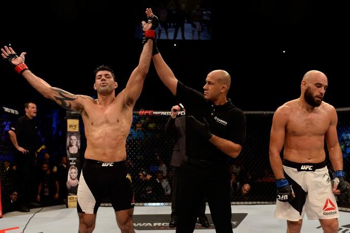 Viscardi Andrade Gasan Umalatov UFC São Paulo MMA (Foto: Getty Images)