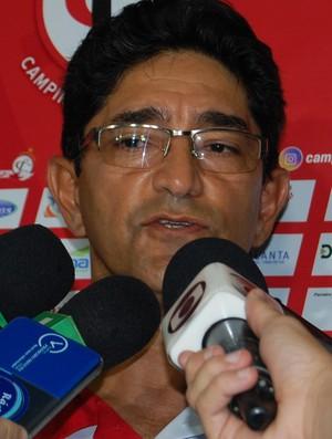 Sérgio China, técnico do Campinense (Foto: Silas Batista / GloboEsporte.com)