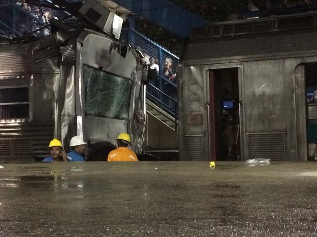 Os trens acidentados (Foto: Daniel Silveira/G1)