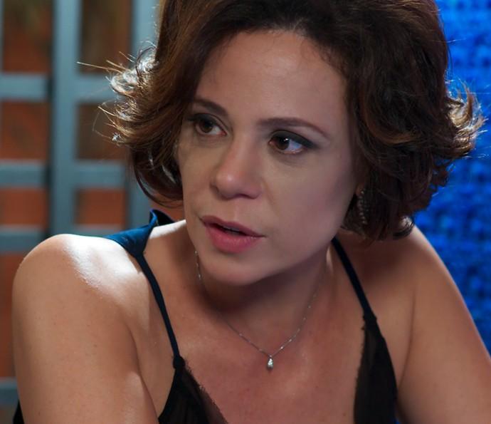 Ana desconfia do desaparecimento de Ciça (Foto: TV Globo)