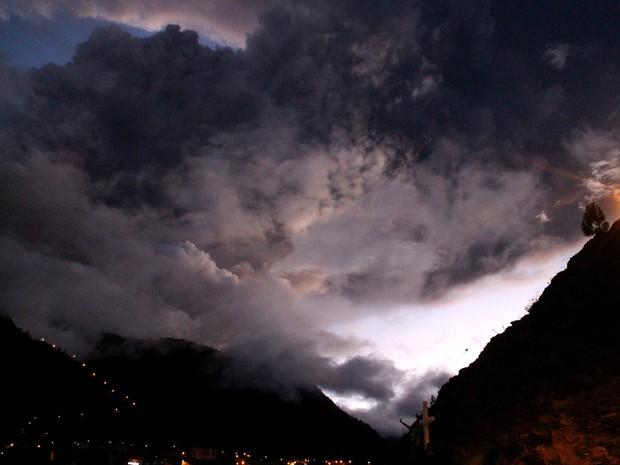 Vulcão Tungurahua no Equador (Foto: AFP)