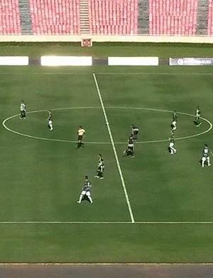 Uberlândia Esporte contra Araxá (Foto: Leandro Moreira)