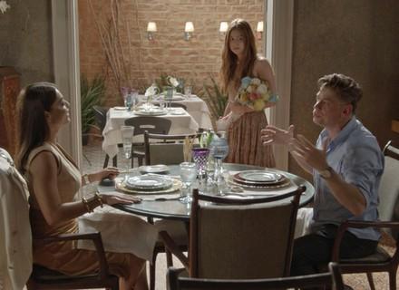 Arthur aposta com Carolina que transforma Eliza na Garota Totalmente Demais