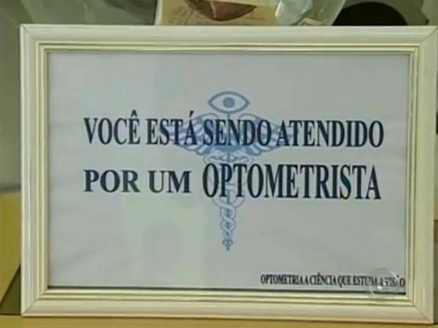 94e8197dfc5d6 Técnico em optometria afirma que os exames oferecidos são regulamentos pelo  Ministério do Trabalho. (