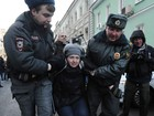 Rússia tem protestos contra lei que proíbe 'propaganda homossexual'
