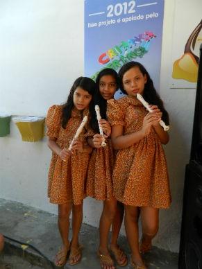 Participantes das atividades de instrumentos musicais (Foto: Divulgação)