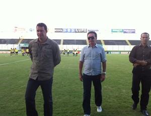 Roberto Fernandes, técnico do ABC, e Rubens Guilherme, presidente do ABC (Foto: Tiago Menezes)