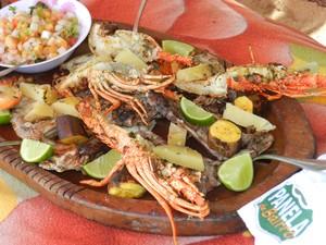 Panela de Bairro ensina receita de peixe-rato e lagostas à moda do folha (Foto: Dalton Soares/TV Bahia)