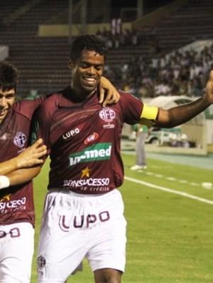 Fabrício Carvalho comemoração (Foto: Assessoria Ferroviária)