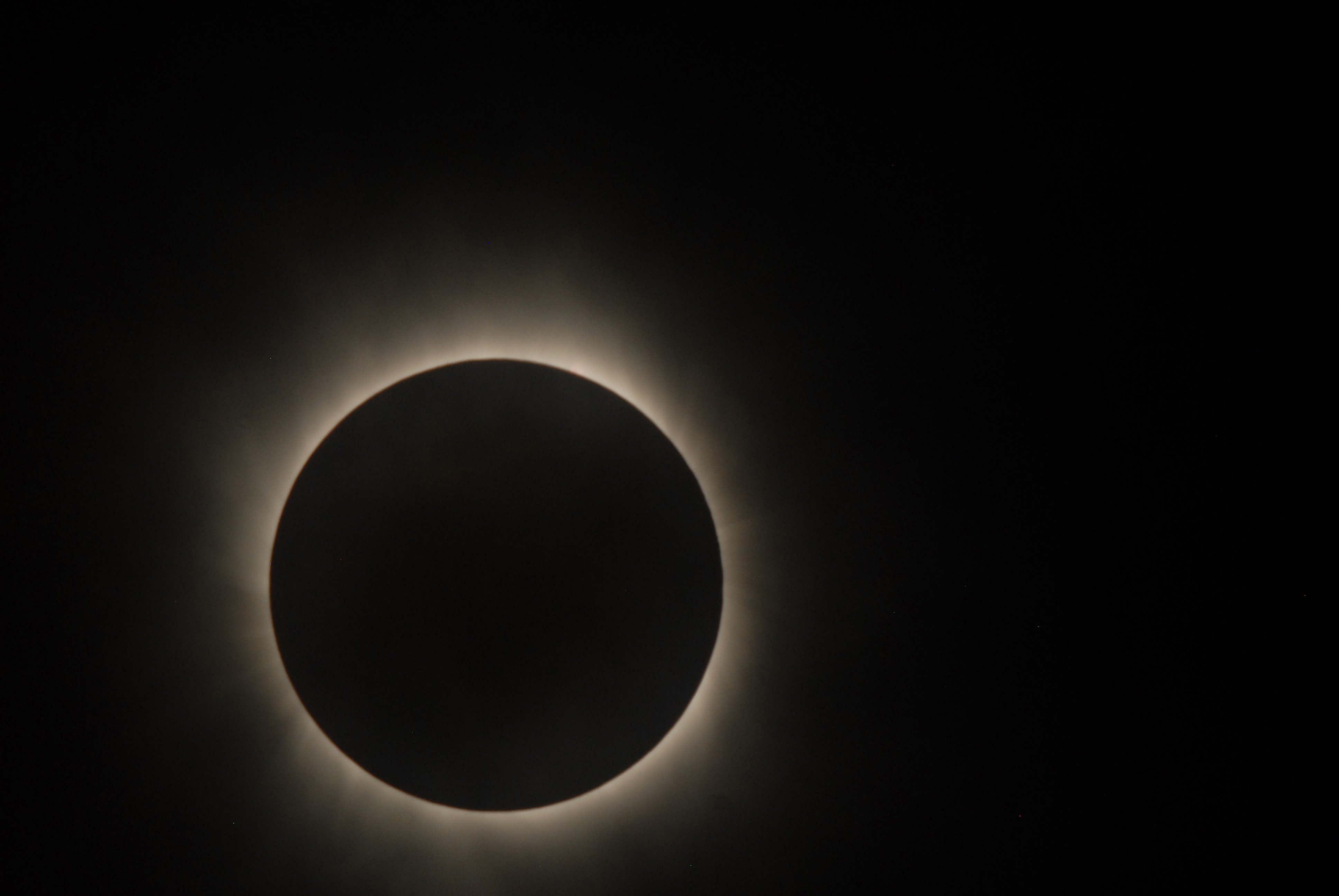 Coincidência raríssima de três eventos astronômicos ocorre hoje