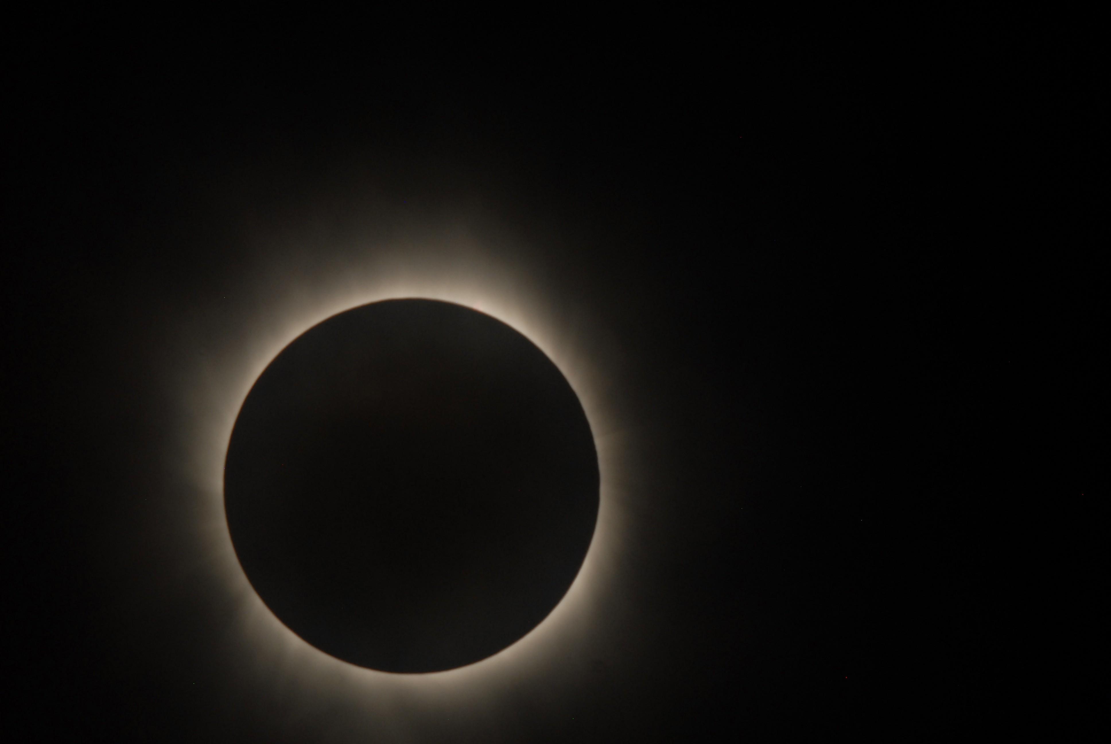 Último eclipse solar foi em novembro de 2013 (Foto: NASA/JAXA)