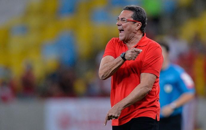 Luxemburgo, Flamengo x América-RN (Foto: Pedro Martins / Ag. Estado)