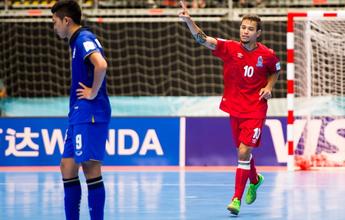 Ex-morador de rua, brasileiro brilha pelo Azerbaijão no Mundial de Futsal