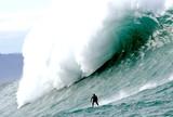"""""""Zona de Impacto"""" in�dito tem desafio com surfistas nas ondas gigantes"""
