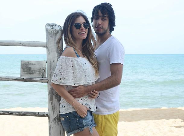 Bruna Hamú e o namorado (Foto: AgNews)