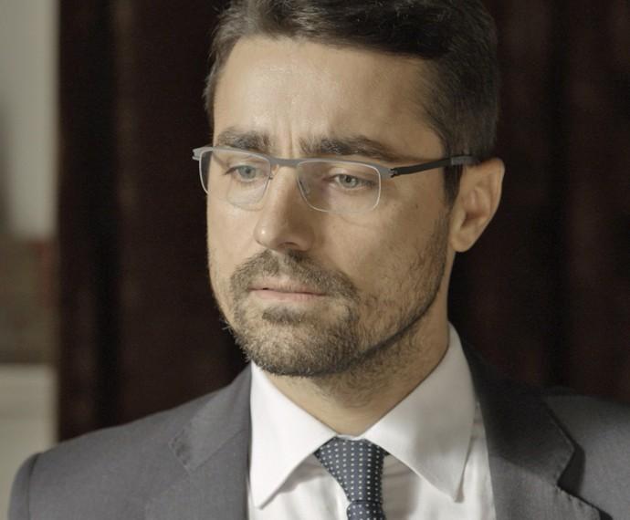 Faustini atualiza Dante sobre a operação da polícia (Foto: TV Globo)