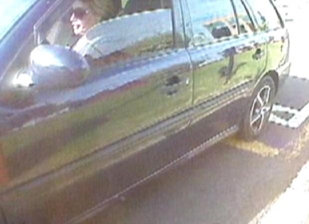 Carro baixo fez polícia desconfiar e investigar mulher (Foto: Reprodução / TV Tem)