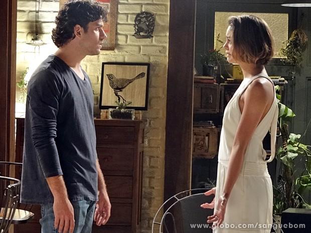 Bento e Amora discutem quando chegam do casamento (Foto: Sangue Bom / TV Globo)
