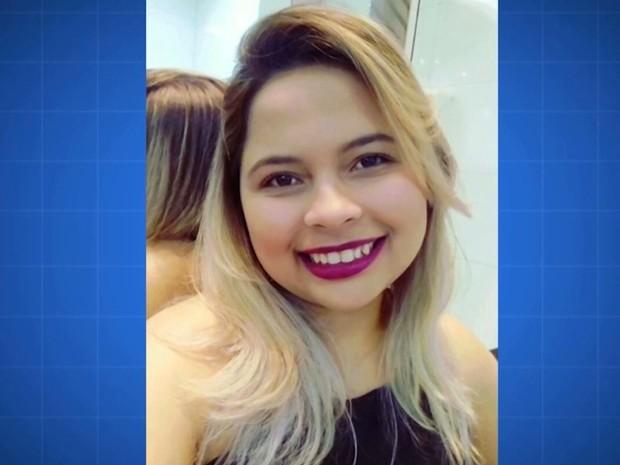 Karina Brito estava no banco do passageiro do carro que era dirigido pela irmã dela (Foto: Reprodução/TV Mirante)