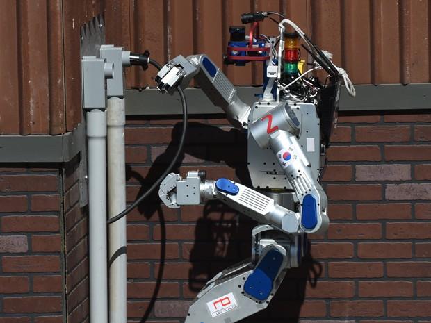 DRC-Hubo, robô que ajudou a Team Kaist a vencer o Desafio de Robótica da DARPA, nos EUA (Foto: Mark Ralston/AFP)