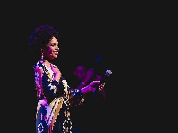 Teresa Cristina canta Cartola no Teatro RioMar (Foto: Filipes Marques/Divulgação)