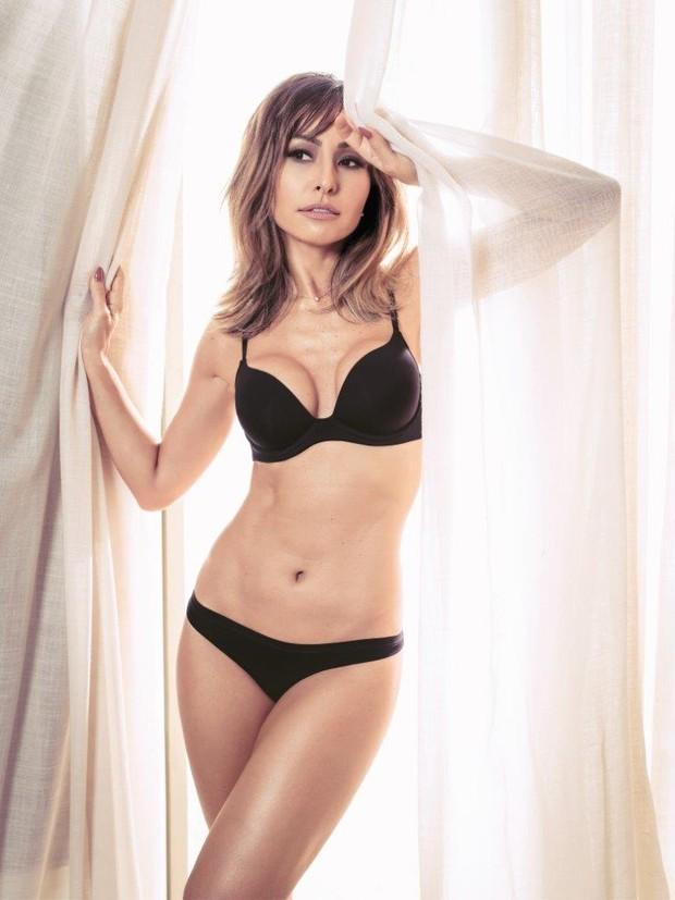 Resultado de imagem para Sabrina Sato usa look sexy e chama a atenção pelas  curvas ace55d71c9