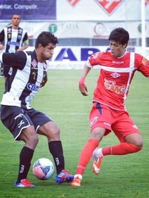 Betinho em ação pelo Tombense contra o Araxá (Foto: Arquivo pessoal do jogador)