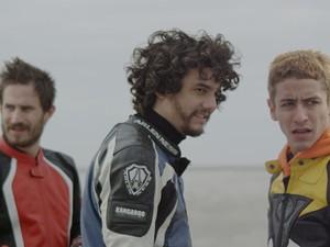 Jesuita Barbosa, Wagner Moura e Clemens Schick em cena de 'Praia do Futuro' (Foto: Divulgação/Alexandre Ermel)
