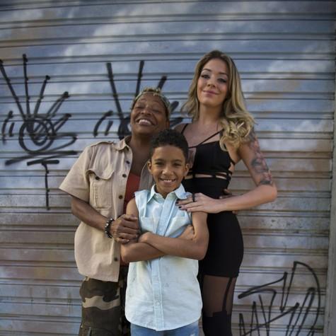 A família de Tamanco e Odete em Pé na cova (Foto: Estevam Avellar/ TV Globo)
