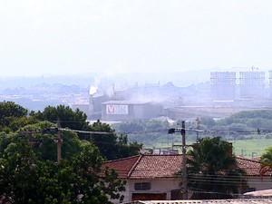 Qualidade do ar e poeira preocupam moradores em Santa Gertrudes (Foto: Paulo Chiari/EPTV)