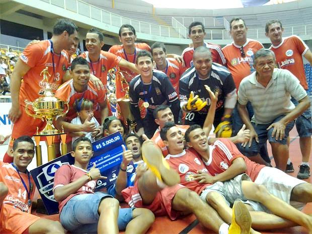 Para técnico, Juína venceu Copa Centro América pela união do grupo (Foto: Dhiego Maia/GLOBOESPORTE.COM)