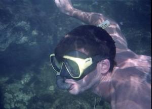 Prática de mergulho com esnorquel no Sesc Thermas de Prudente (Foto: Sesc Thermas / Divulgação)