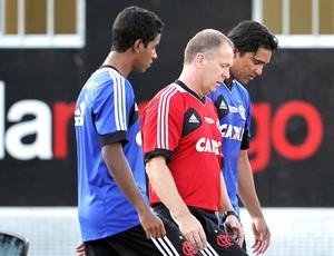 Mano Menezes e Marcelo Moreno, treino Flamengo (Foto: Fábio Castro / Agência estado)