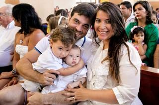 Priscila Pires batiza o filho, Pietro (Foto: Divulgação)