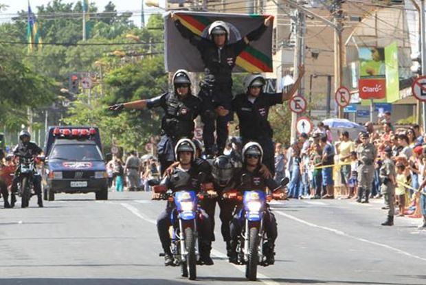 Desfile cívico-militar comemora 7 de Setembro, no Centro de Goiânia (Foto: Cristina Cabral/O Popular)