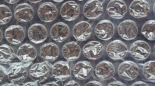 Estourar as bolinhas do plástico-bolha está com os dias contados (Foto: Reprodução)