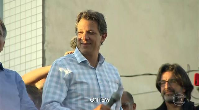 Fernando Haddad faz campanha no Recife