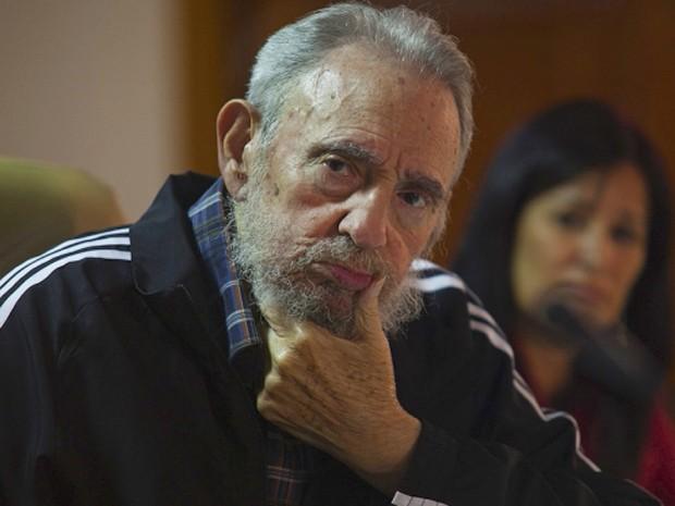 Fidel Castro participa de ato público no qual lançou novo livro sobre sua vida (Foto: Reuters/Cubadebate/Roberto Chile)